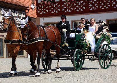 Fahrt mit der Hochzeitskutsche